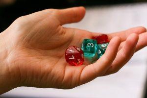 brettspiele-fuer-erwachsene-hand